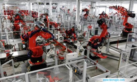 Robots industriales en la fabricación de iphone en China.