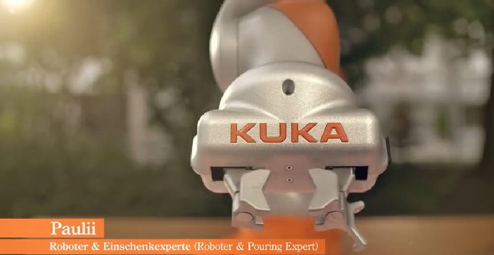 Robot KUKA LBR iiwa denominado Paulii para el anuncio de cerveza.
