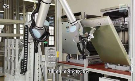 Cobot test lavavajillas mediante UR Robot