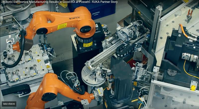 Robots Kuka trabajando conjuntamente.