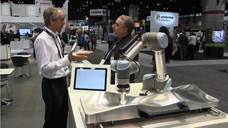 UR Robot probando sensores de par y fuerza.
