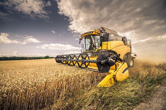 Maquinaria agrícola con conducción autónoma para cosechadoras