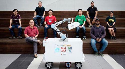 Cobot para desinfectar superficies desarrollado en Universidad de Singapur